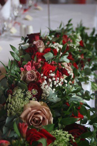 Sumptous Top Table decoration
